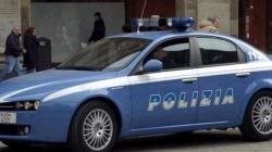 Picchiavano con violenza le vittime dopo le rapine: cinque arresti