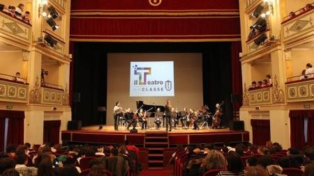 """""""Teatro del Porto"""": Alessandro Haber e Lucrezia Lante della Rovere al """"Giordano"""""""