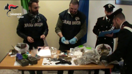 Maxi sequestro di stupefacenti e armi