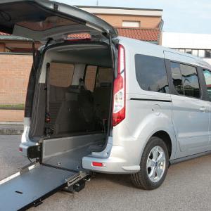 A breve consegnati i passi per le auto per disabili