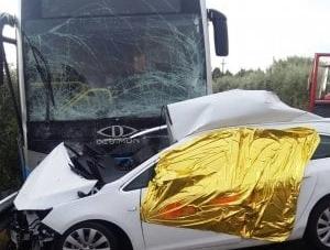 Auto contro bus di linea sulla SP 45: un morto