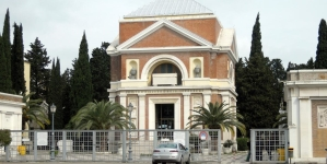 Commemorazione dei defunti, gli orari di apertura del cimitero