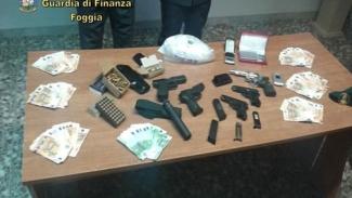 Oltre 1 chilo di cocaina ed armi sequestrati ad un 53enne