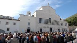 Spoglie di San Pio trasferite nella chiesa vecchia