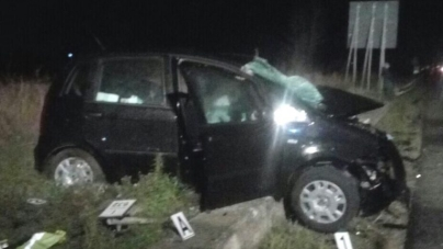 Scontro tra due auto sulla statale 16: due morti
