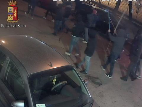 """Scontri allo """"Zaccheria"""" nel match con il Frosinone: 2 arresti e 3 denunce"""