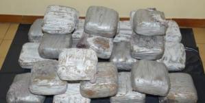 Sequestrata una tonnellata di droga proveniente dal Marocco: tre arresti