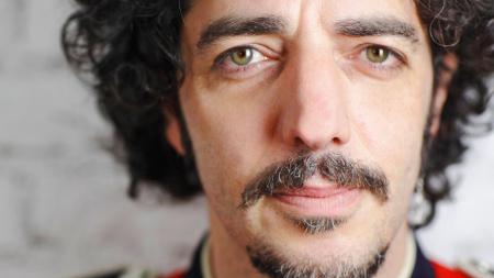 Max Gazzè canta Pizzomunno: Vieste gli dà la cittadinanza onoraria