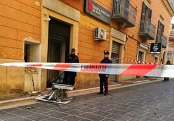 Colpo ad un bancomat di Candela: malviventi fuggono col bottino