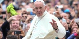 Visita di Papa Francesco ai bambini nell'ospedale di San Pio