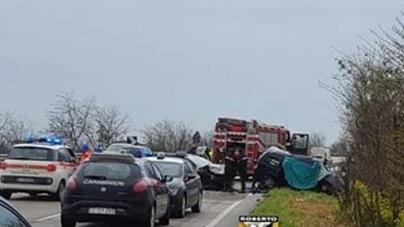 Scontro tra due auto sulla statale 673: distrutta un'intera famiglia