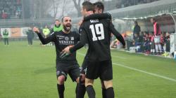Non basta il gol di Mazzeo al Foggia: è Stulac al 95′ a regalare vittoria e play-off al Venezia