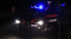 Bracciante agricolo ucciso in casa a colpi di pistola: preso il presunto assassino