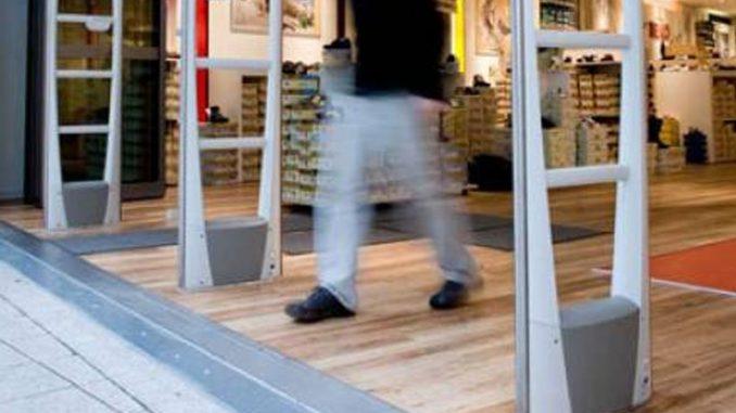 Furto in un supermercato: arrestate due donne autrici di taccheggio