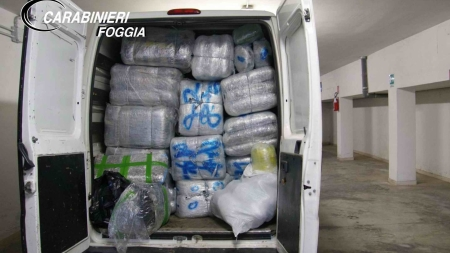 Maxi sequestro di marijuana: arrestati due corrieri albanese