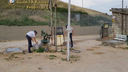 Sigilli a 6 distributori abusivi: sequestrati 60mila litri di gasolio
