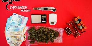 Droga e munizioni in casa: arrestato 21enne sorvegliato speciale