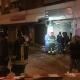 Bomba carta davanti ad un negozio, residenti si riversano in strada