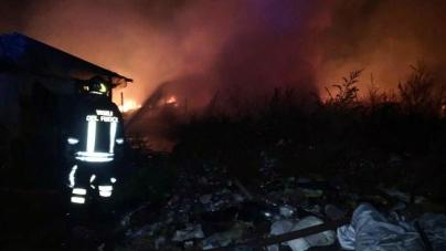 Morto il migrante ustionato nell'incendio della baraccopoli