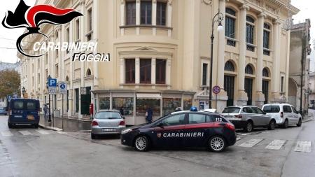 Aggredisce e tenta di strangolare la sua ex ragazza: salvata dai Carabinieri