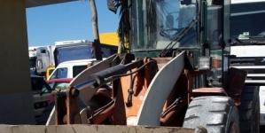 Un operaio muore schiacciato da una pala meccanica