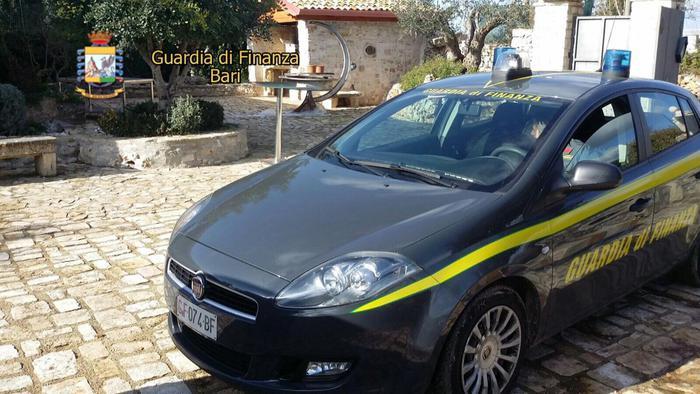 Fisco a Macerata arrestati tre professionisti foggiani