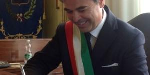 Si è dimesso il sindaco Franco Landella: «Basta coi ricatti»