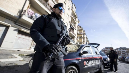 Rapina negozio nel centro storico di Vieste e nasconde soldi negli slip: arrestato 24enne