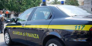 """Operazione """"Drug Wash"""", rete di spacciatori smantellata nel foggiano: 10 gli arresti"""