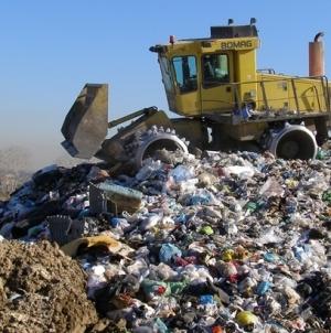 Interdittiva antimafia per 5 aziende: due operano nei rifiuti