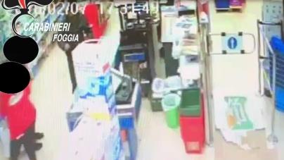 Due rapine a stesso supermercato: arrestato 44enne
