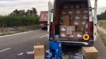 Commando armato assalta furgone carico di sigarette