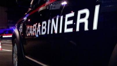 """Per evitare il sequestro dell'auto si """"offre"""" ai Carabinieri: 33enne rumena arrestata"""