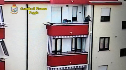 Spacciavano droga porta a porta nel quartiere Torricelli: 5 arresti