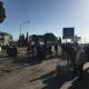 Palazzina a rischio crollo, protesta dei residenti a Borgo Mezzanone