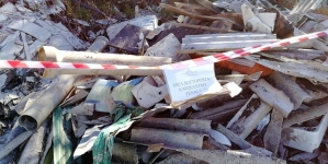 Abbandonano rifiuti speciali in autostrada: denunciati due pregiudicati foggiani