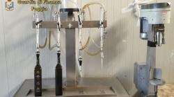 Olio extravergine d'oliva adulterato: oltre 2,5 tonnellate rinvenute in un opificio abusivo