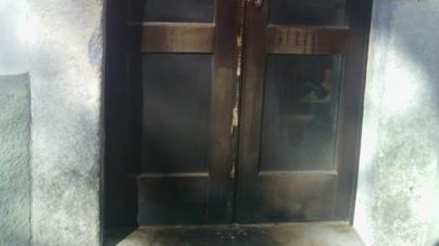 Dopo la marcia antimafia incendiato il portone del Comune di Monte Sant'Angelo