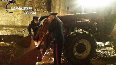 Agricoltori derubati dalla criminalità: trattore recuperato in casolare abbandonato