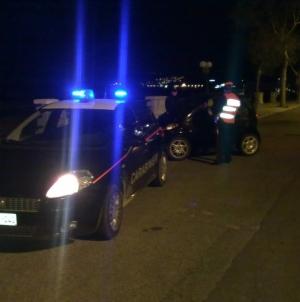Agguato nella notte: pregiudicato di 26 anni ucciso vicino alla sua abitazione