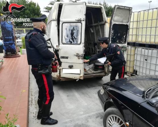 Non si fermano all'alt e innescano pericoloso inseguimento: arrestati 3 extracomunitari