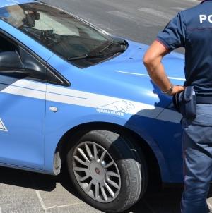 Sorpresi a spostare le auto che avevano appena rubato: due arresti