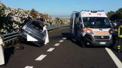 Tragedia sulla A14: auto contro guard rail, muore bimba di 10 anni