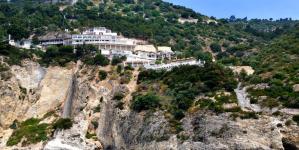 Resort senza autorizzazioni tra Vieste e Mattinata: scatta il sequestro