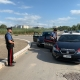 Pestano due carabinieri e fuggono: una denuncia e un ricercato