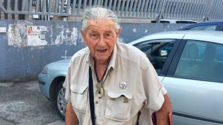 Nonno Ciccio, segue il Foggia da 82 anni e la società gli regala l'abbonamento allo stadio