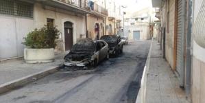Notte di fuoco ad Orta Nova, sette auto incendiate e rapina: due arresti