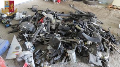Scoperta dalla Polizia un'autorimessa centrale del riciclaggio: 3 arresti