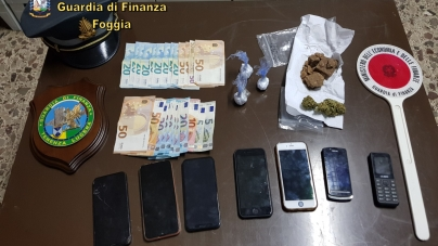 In auto con a bordo eroina, cocaina e marijuana: arrestati due corrieri della droga
