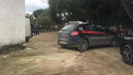 Tragedia Cerignola, la moglie dell'agricoltore suicida lotta tra la vita e la morte